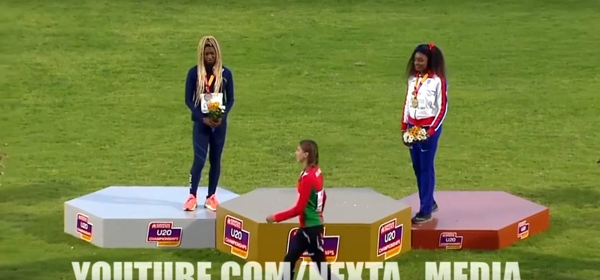 Белорусскую спортсменку, покинувшую пьедестал во время награждения, наградили повторно, и она объяснила свой поступок