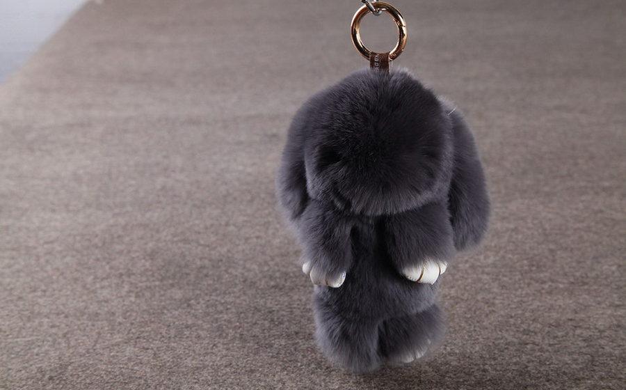 В Беларуси появилось новое массовое увлечение – пушистые кролики-брелоки