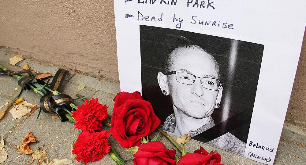 Официально названа причина смерти солиста Linkin Park