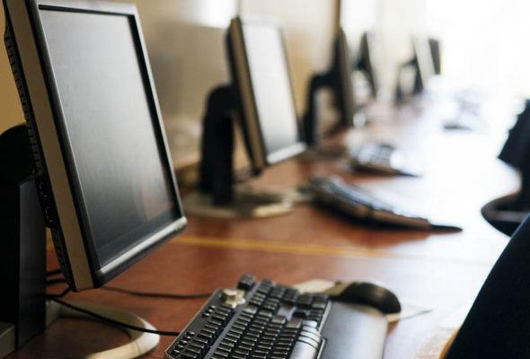 На жителя Барановичского района составили административный протокол за размещение свастики в интернете
