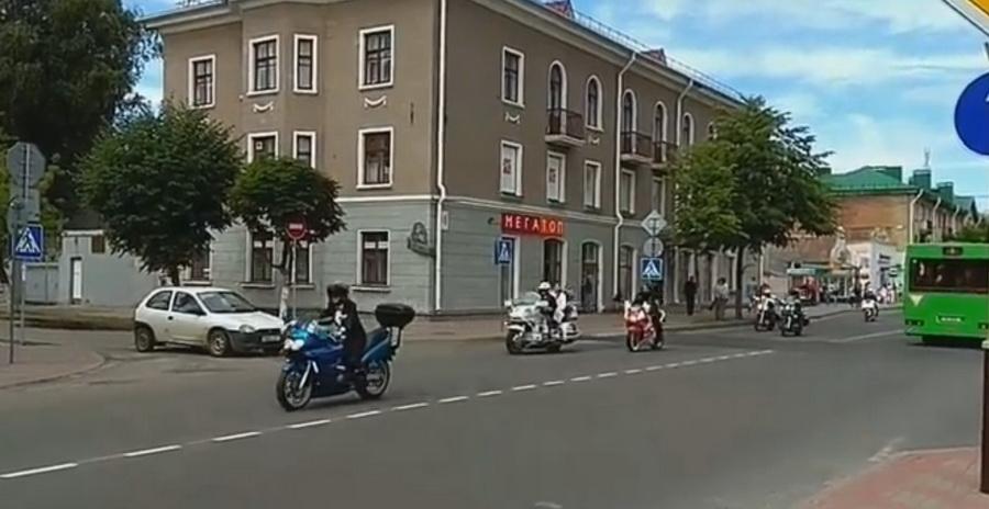 Видеофакт: свадьба байкеров в Барановичах