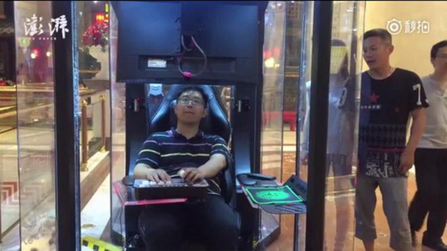 В Китае в торговом центре открылась «камера хранения» для мужей
