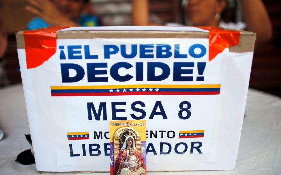 Венесуэльская оппозиция организовала неофициальный «народный» референдум