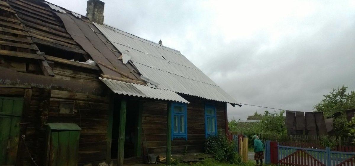Сорванные крыши, сломанные деревья, обесточенные деревни – двойной удар стихии по Барановичскому региону