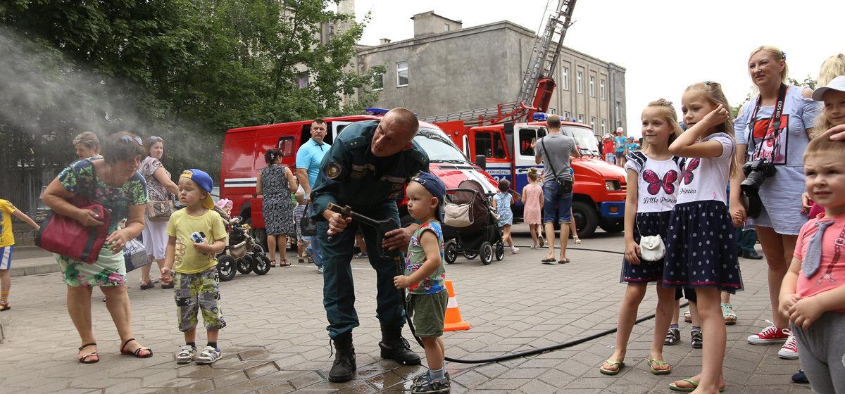 Барановичские спасатели приглашают горожан на свой праздник