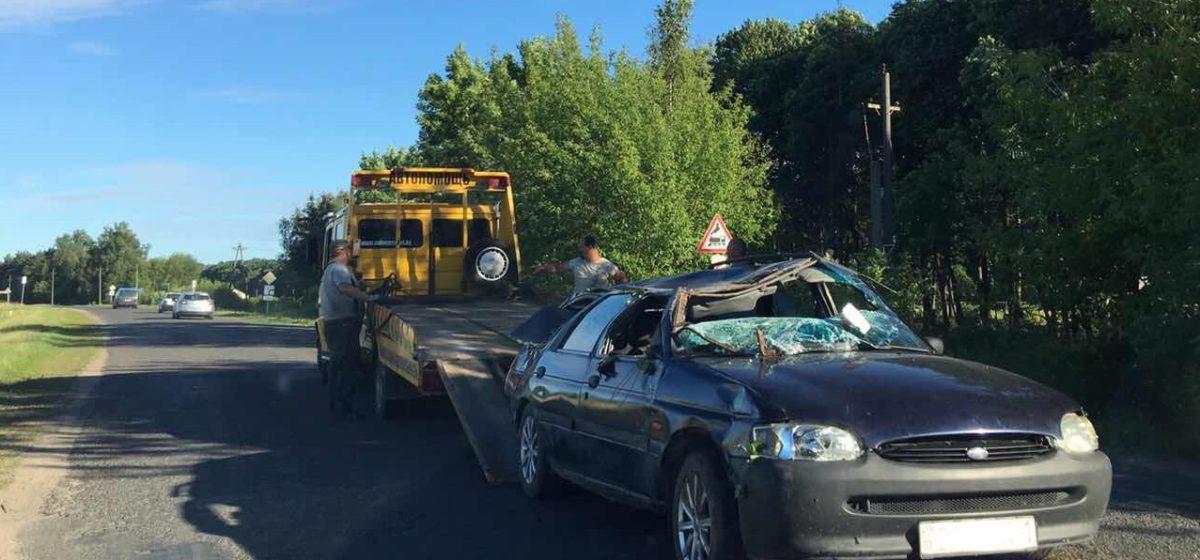 В Барановичском районе «Форд» слетел в кювет и опрокинулся