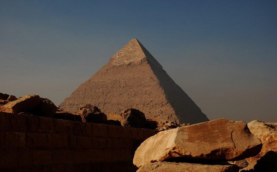 В Египте мужчина с ножом напал на туристов, погибли двое граждан Украины