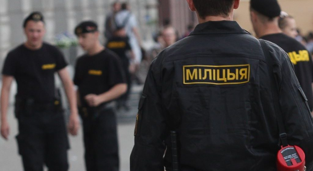 «Стыдно, что в профессии есть такие люди». Барановичский милиционер – о протестах и действиях своих коллег
