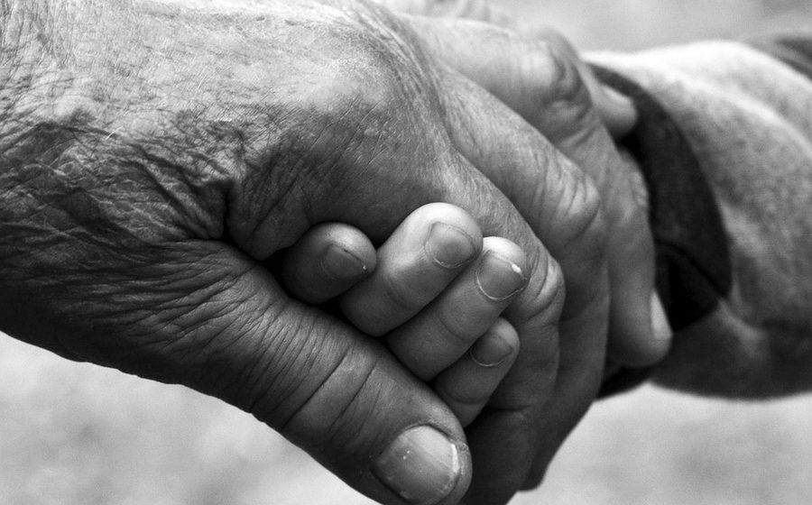 Депутаты хотят усилить ответственность взрослых детей за своих престарелых родителей