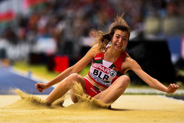 Видео: белорусская спортсменка покинула пьедестал во время награждения, потому что включили не тот гимн