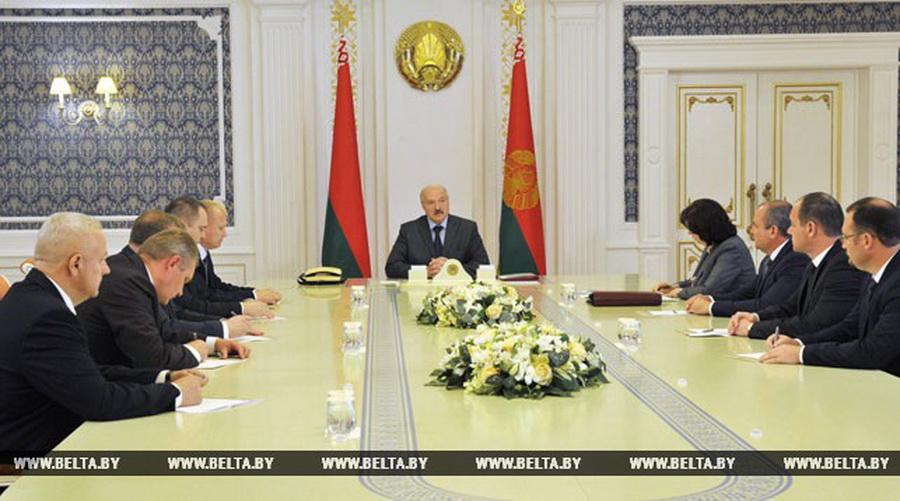 Лукашенко местным властям: «Если люди уже вообще закостенели, от них нужно освобождаться»