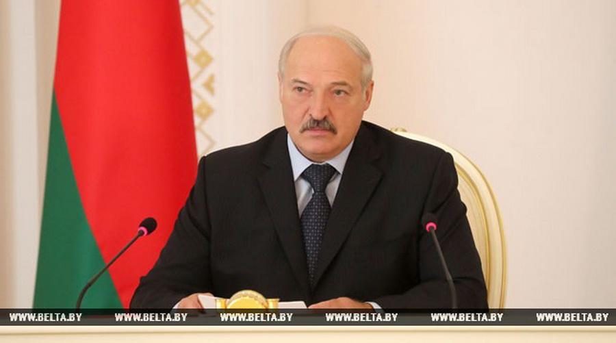 Лукашенко: Предприниматели пытаются делом заниматься, а мы начинаем блох выискивать