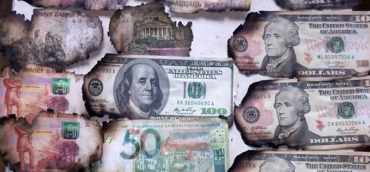 Видеофакт. В Гомеле сгорел балкон, а вместе с ним и кошелек с 1000 долларов