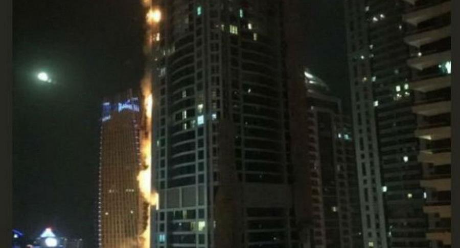 В Дубае горел 79-этажный небоскреб (видео)