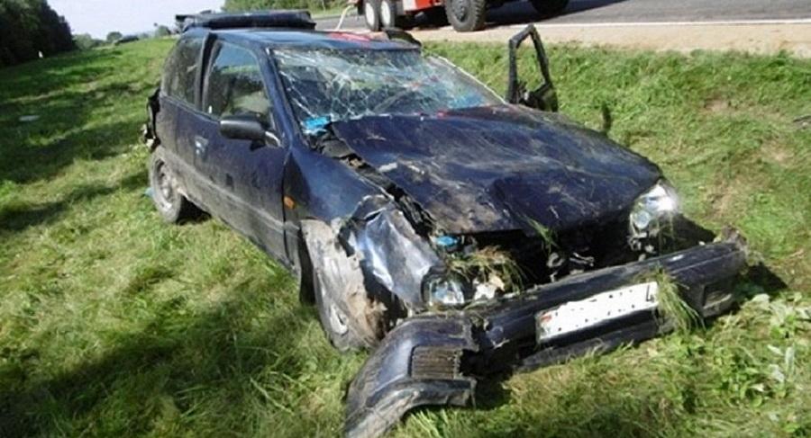 В Островецком районе во время аварии отца и дочь выбросило из салона автомобиля