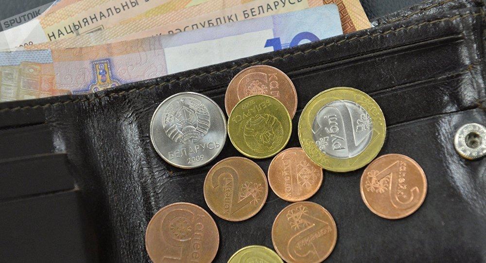 Глава правительства рассказал, сколько будут зарабатывать бюджетники в 2018 году