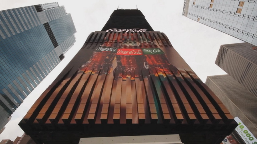 Компания Coca-Cola установила первую трехмерную рекламу на Таймс-сквер