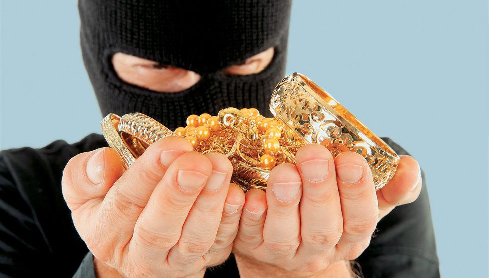 У жительницы Барановичей украли ювелирные украшения на 3300 рублей