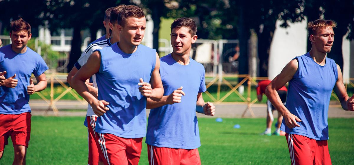 Директор ФК «Барановичи», главный тренер команды и спорткомментатор подвели итоги первого круга чемпионата страны по футболу