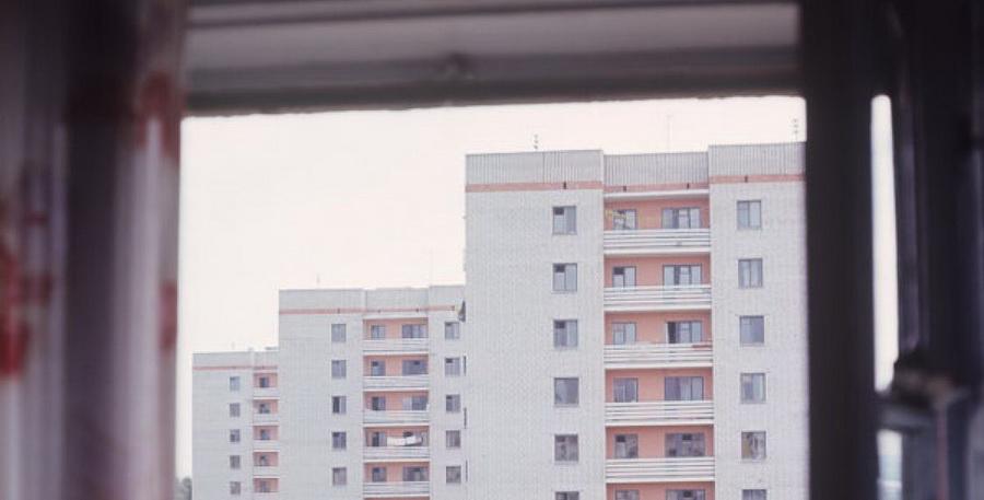В Могилеве женщина выпала из окна седьмого этажа, найдена предсмертная записка