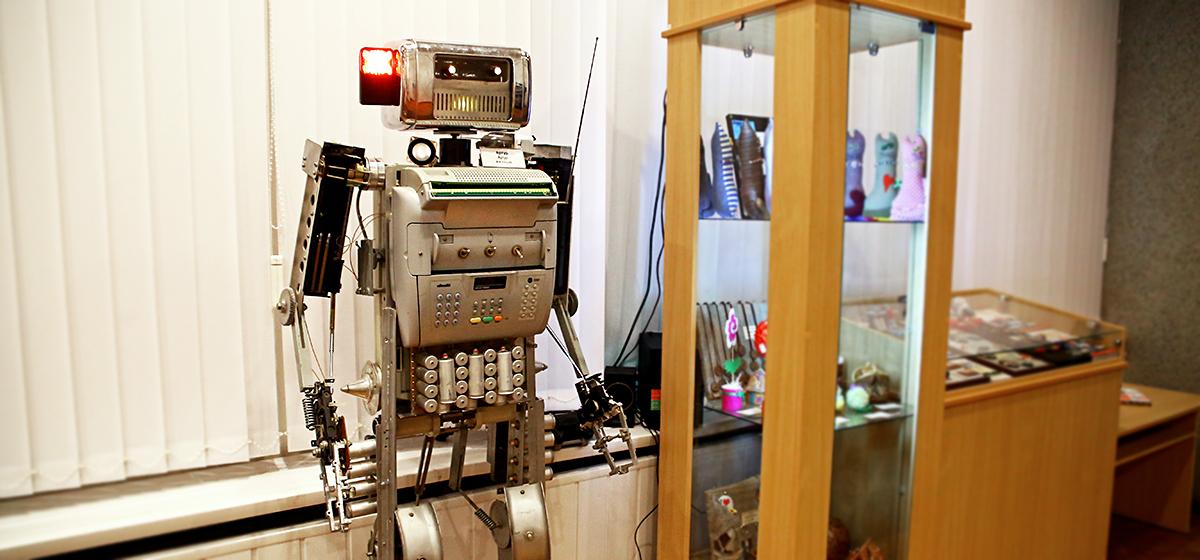 В Барановичах открылась выставка роботов