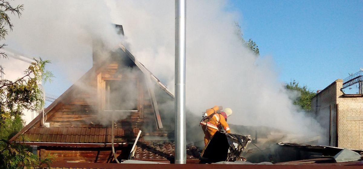 В Барановичах горела баня (видео)