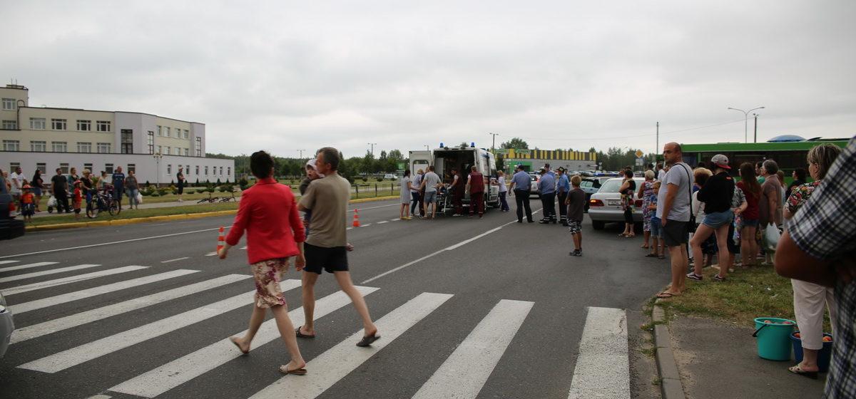 В Барановичах на улице Парковой на пешеходном переходе Mercedes сбил ребенка