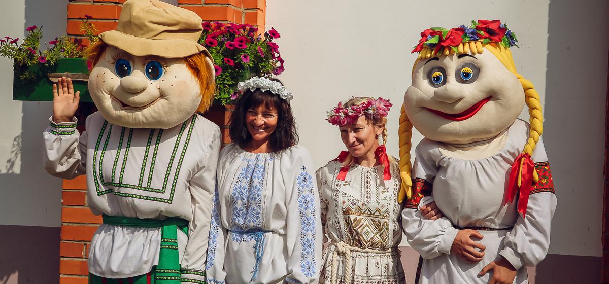 В агрогородке Крошин прошел праздник фольклора «Напевы зямлі маёй»