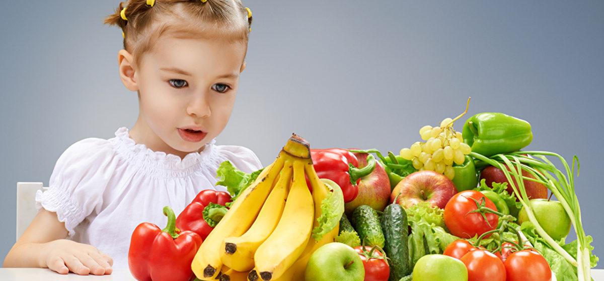 Как приучить ребенка питаться правильно