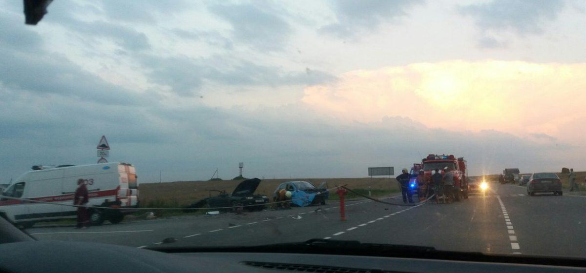 В Барановичском районе столкнулись Mazda и Peugeot – погибли мать и дочь