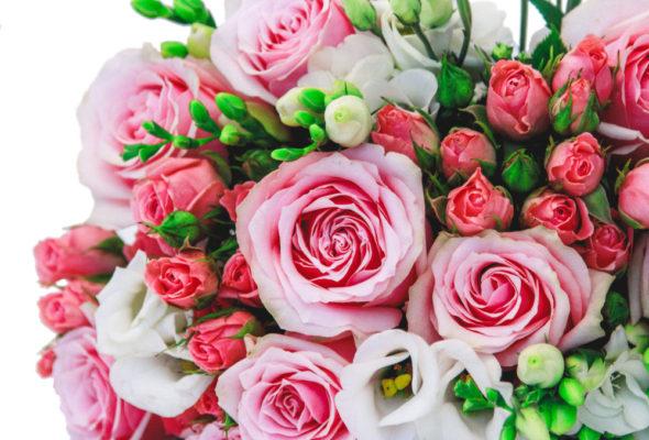 Букеты из 101 розы – ароматная роскошь с нежным цветочным ароматом
