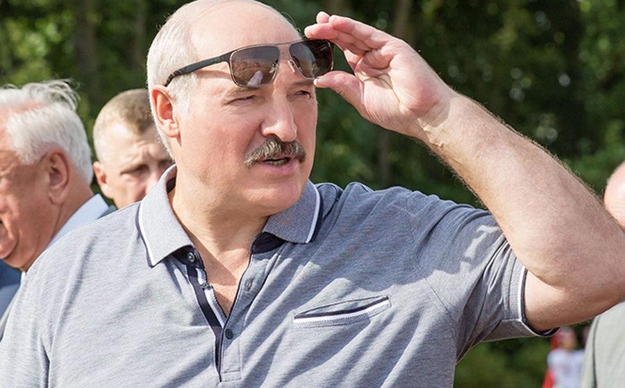 Лукашенко рассказал, когда в Беларуси средняя зарплата достигнет 1500 рублей