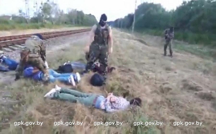 В Брестском районе пограничники задержали граждан Ирака, которые пытались пробраться через белорусско-польскую границу