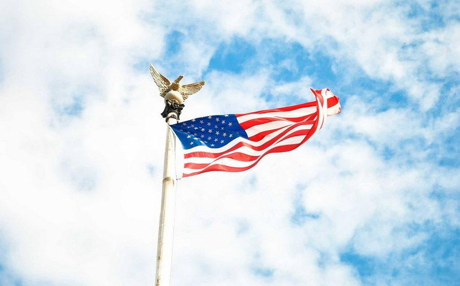 Посольство США в Москве и консульство в Санкт-Петербурге отменили прием заявлений на визы от белорусов