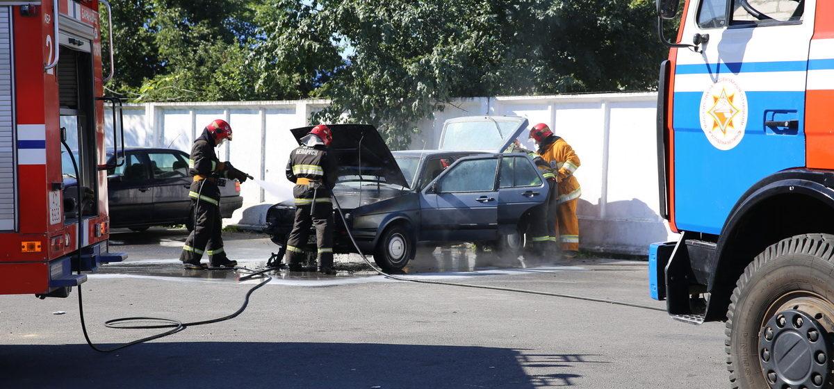 В Барановичах на ходу загорелась машина
