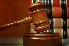 В Пинске трех врачей оштрафовали за получение взяток