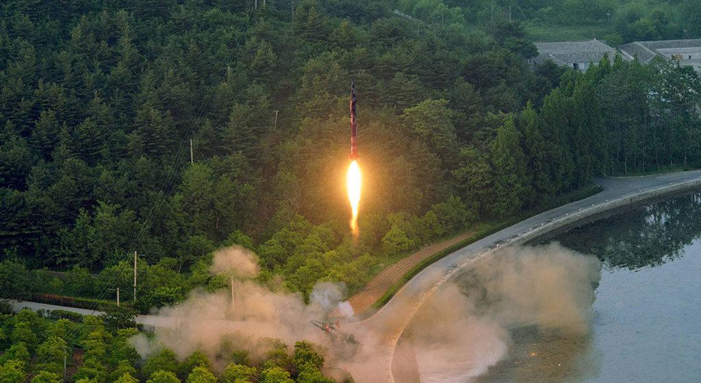 КНДР провела очередной запуск баллистической ракеты