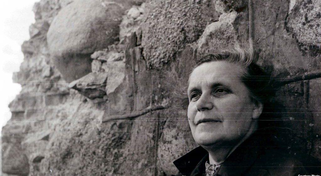 Суд отказал в реабилитации белорусской поэтессе Гениюш, так как она «оказывала помощь международной буржуазии»
