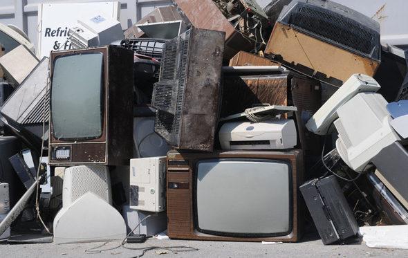 В Барановичах за старые холодильники и телевизоры можно получить деньги