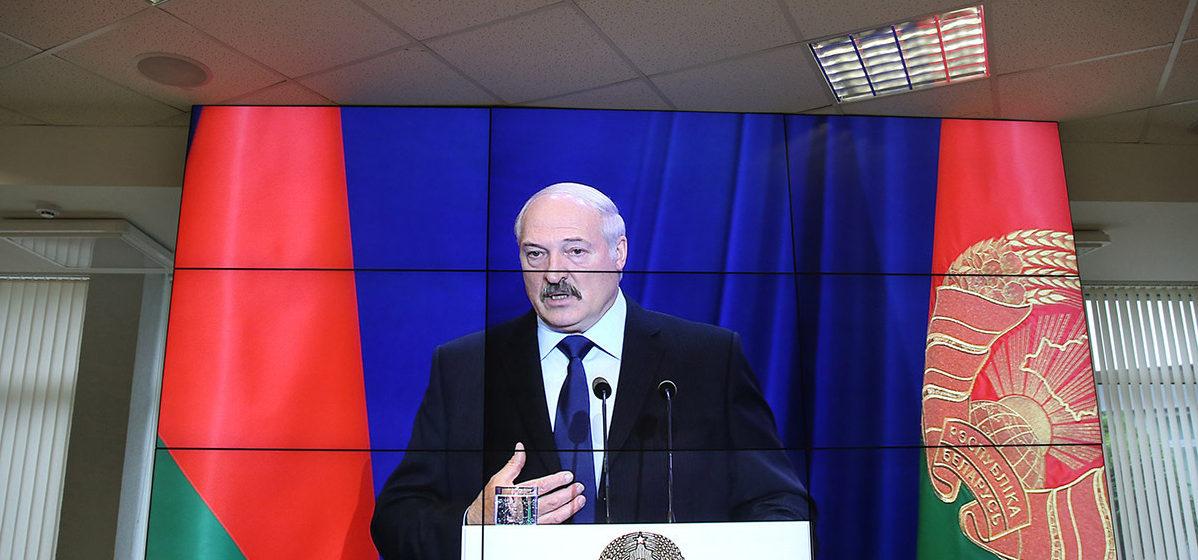 Лукашенко: Настало время браться за высшие учебные заведения
