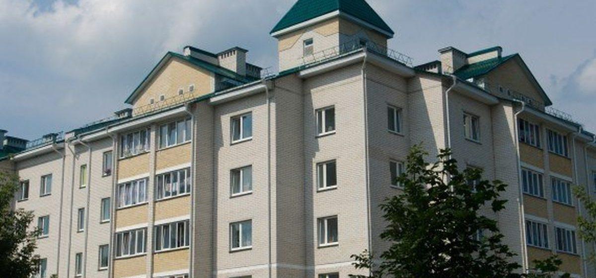 В Ляховичах пьяный мужчина выпал с балкона, показывая акробатическое упражнение