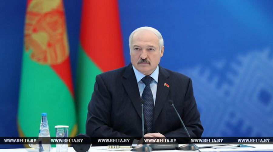 Лукашенко: Меня настораживает основной вопрос — страна еще не живет Европейскими играми