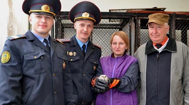 В Гродно милиционеры спасли сову (видео)