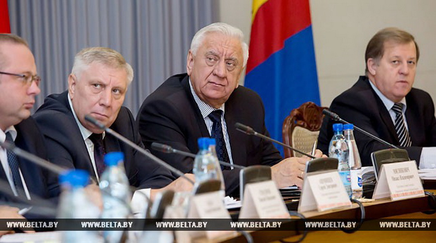 Мясникович похвалил Барановичский район на заседании Брестского облисполкома