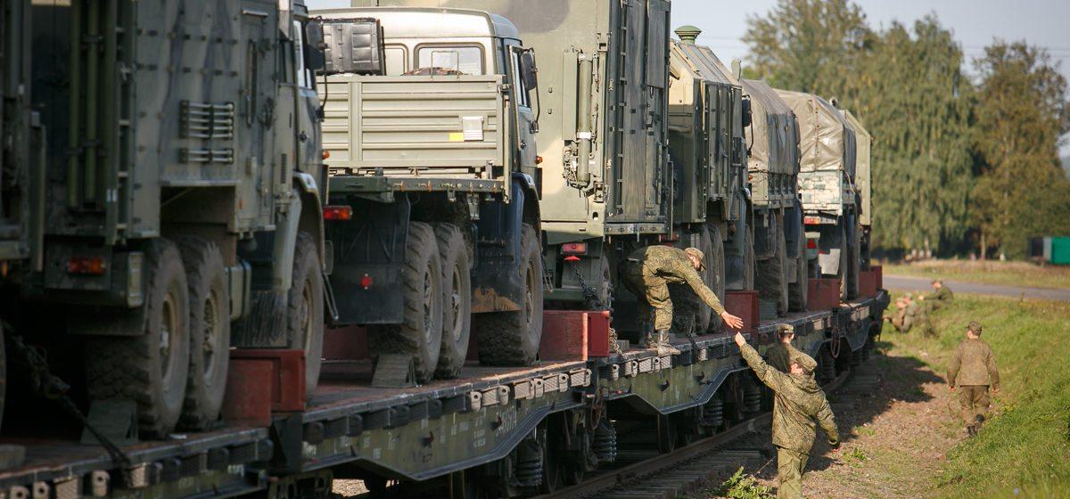 Последний эшелон с российскими военными и техникой покинул Беларусь