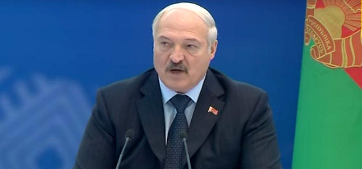 Лукашенко: Слава Богу, что эти бездельники — футболисты и хоккеисты — не попали на Олимпиаду