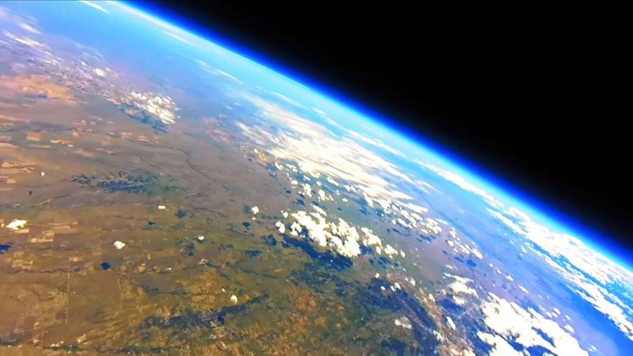 В сети набирает популярность любительское видео Земли с высоты 30 километров