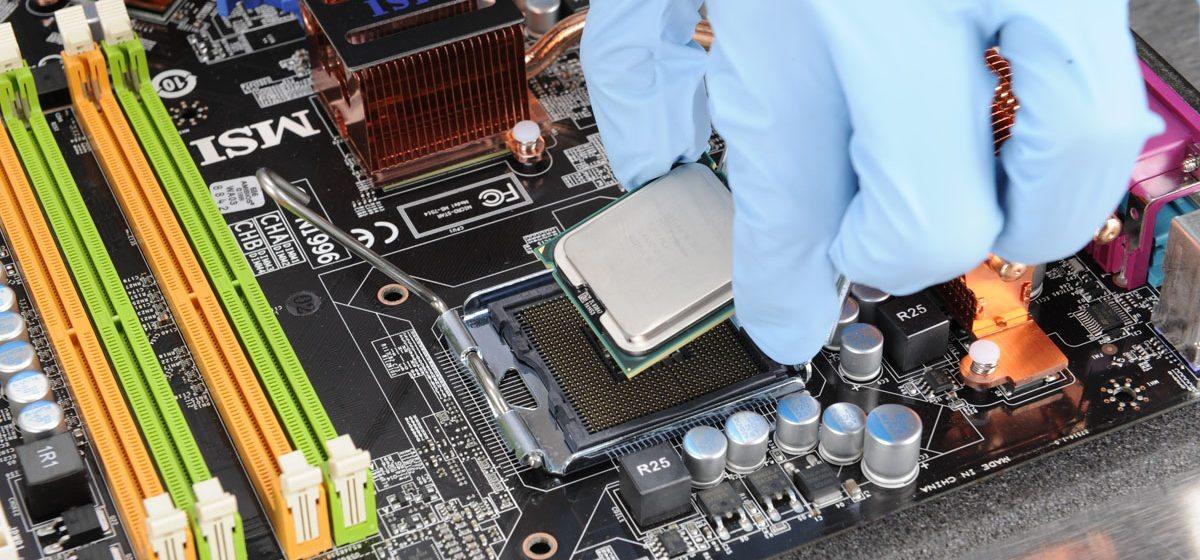 У барановичских криминалистов появилось оборудование, которое вскрывает все компьютерные тайны