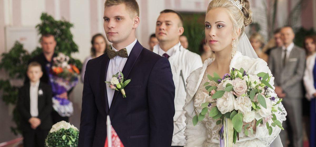 Поженилась пара, необычная помолвка которой состоялась весной в барановичском кинотеатре