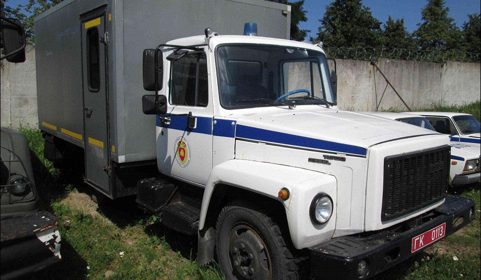 Белорусская милиция продает старые автозаки